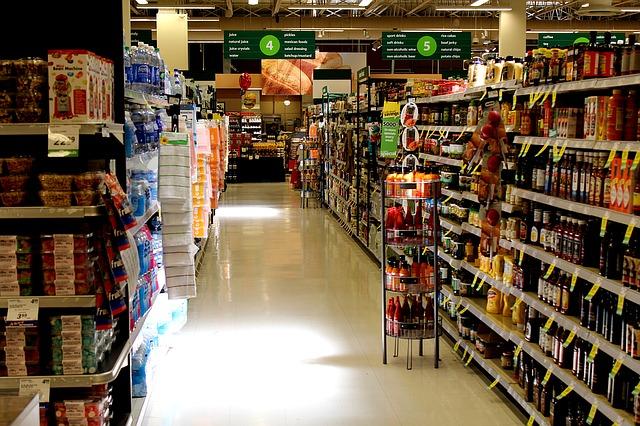 supermarket s potravinami.jpg