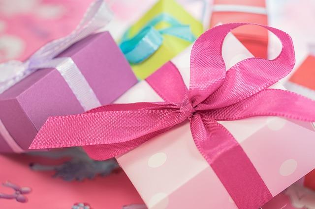 barevné dárky