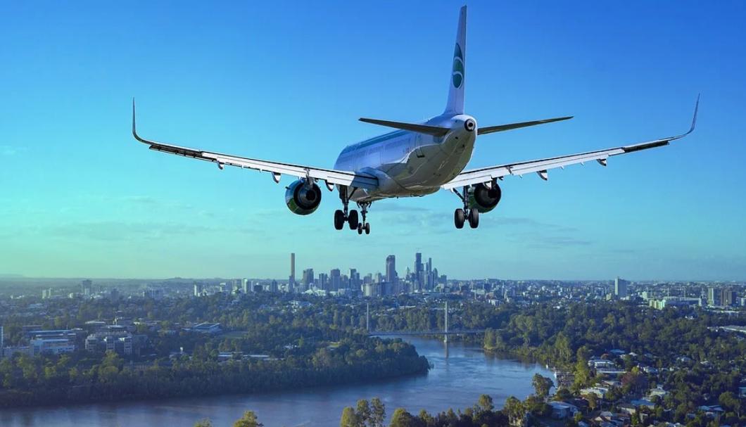 letadlo jdoucí na přistání
